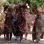As Meninas Da Humpata Desceram À Cidade