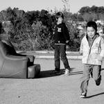 Um sofá na rua___ (1-3)