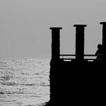 """"""" Mas o mar não me traz tua voz """""""