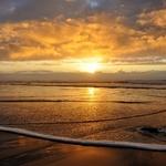 lambendo a praia