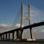 A ponte é uma passagem....