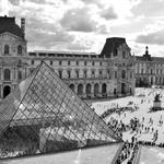 Os admiradores deslocalizados de pirâmides
