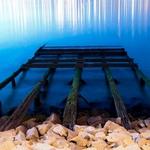 Ruínas de velho embarcadouro