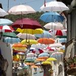 Chuva de guarda-chuvas