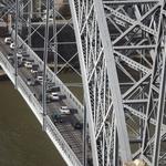 A ponte é uma passagem para outra margem