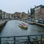 Pelos canais de Amsterdã