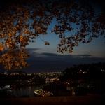 Vista nocturna da Ponte da Arrábida