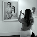 No museu___