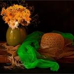 Composição com lenço verde