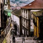 Explorando as escadas dos Guindais e Codeçal