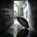 An umbrella in the tunnel...