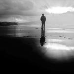 Um homem solitário num dia de Inverno .