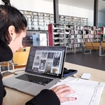 Na biblioteca_