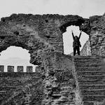 Nas ruínas do castelo...