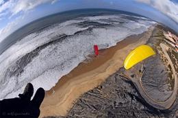 Voando Sobre Um Mar De Espuma