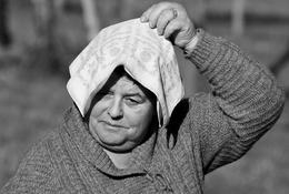 Pôr o lenço na cabeça