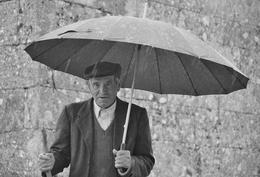 O homem do guarda-chuva