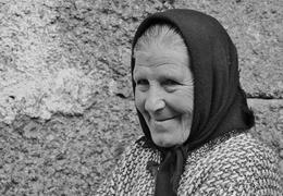 Senhora com lenço