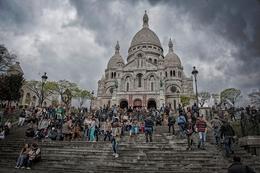 Nas escadarias do Sacré-Coeur - Paris